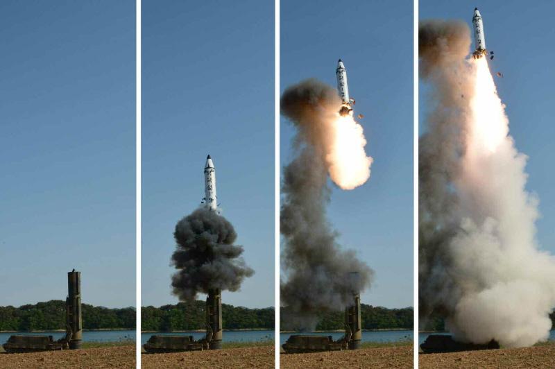 북한 북극성 2형 발사사진