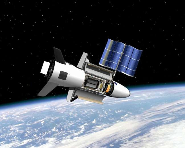 비밀스러운 무인우주선 X-37B