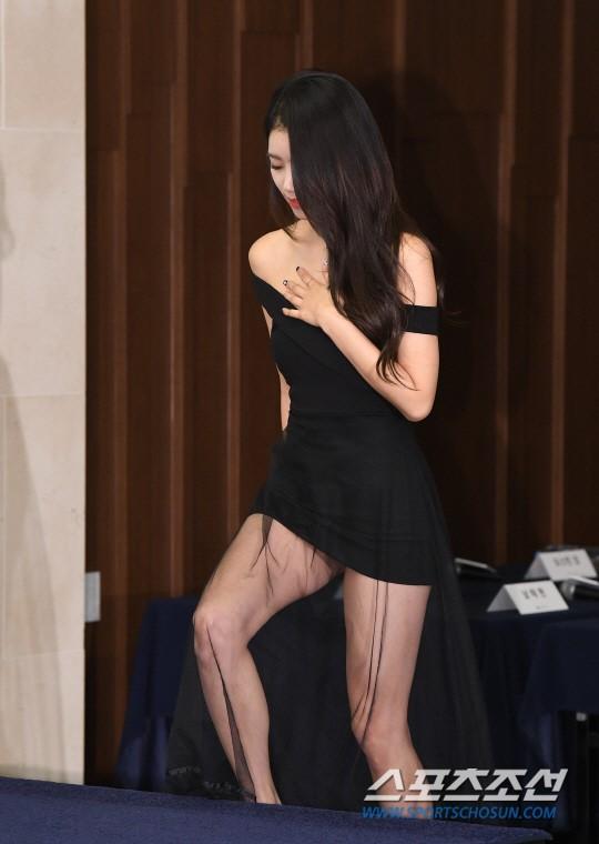 미주 '몸매 드러낸 초미니 드레스'