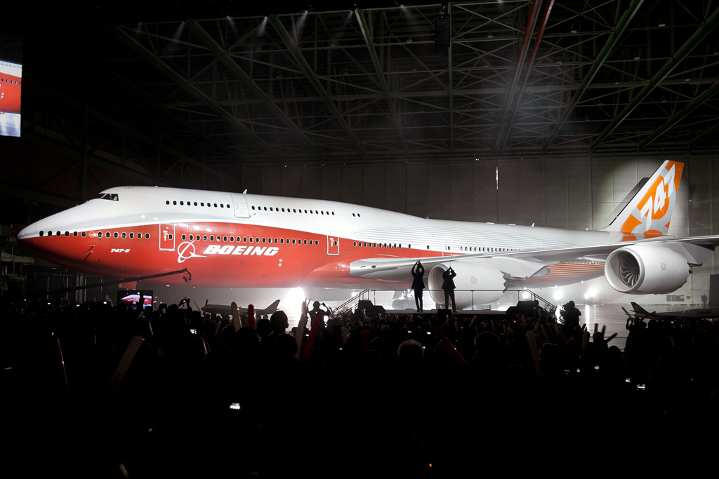 하늘 위의 호텔 A380 퇴출 위기